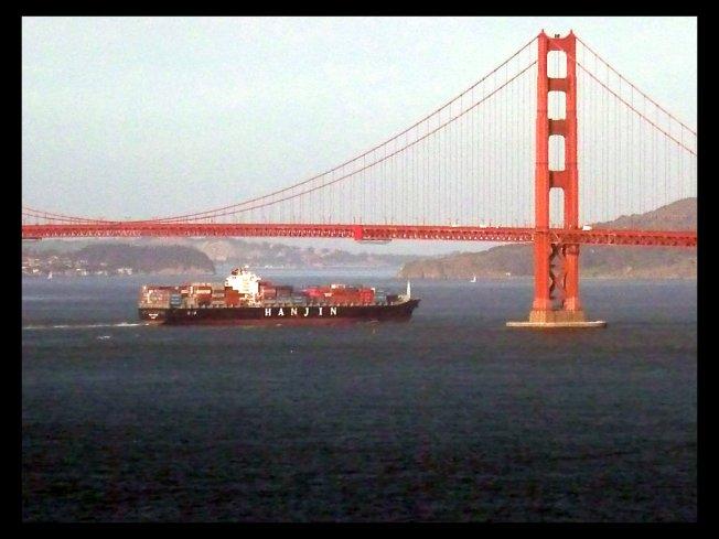 gg_bridge_boat